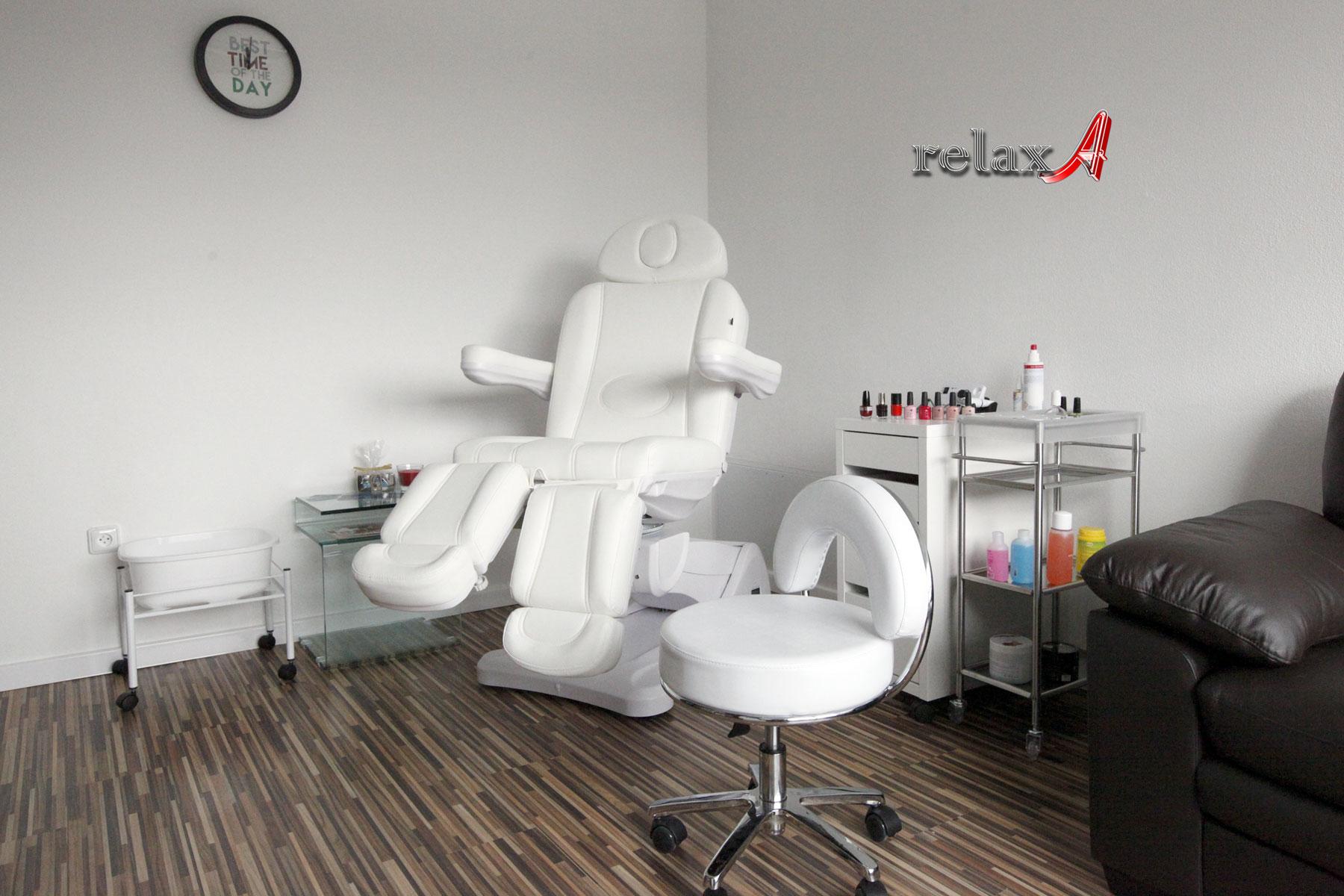 Pedikúra relaxA, Vajnorská 105, Bratislava - suchá pedikúra, mokrá pedikúra, wellnes pedikúra, masáž nôh, reflexno-relaxačná masáž, tejpovanie, japonská manikúra, lakovanie nechtov, poradensto, zdravie nôh
